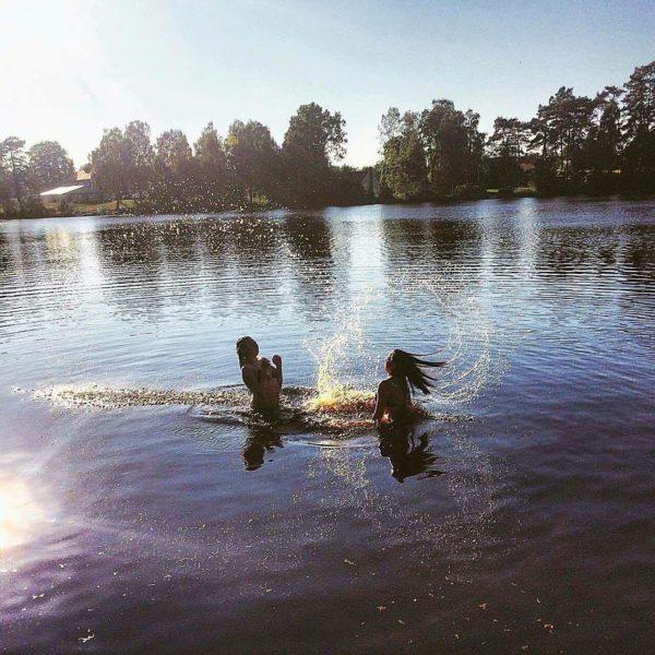 Bada i insjöarna